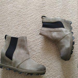 Sorel Joan of Arctic Chelsea Wedge boots 7 38